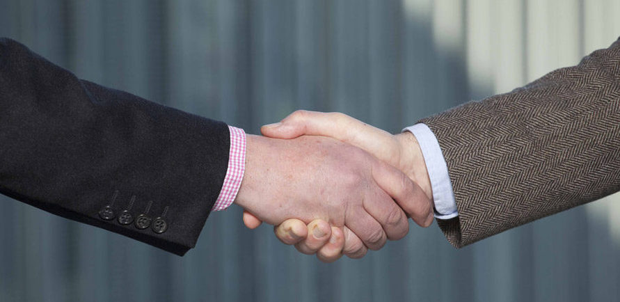 Contract onderhandlingen glasvezelnetwerk